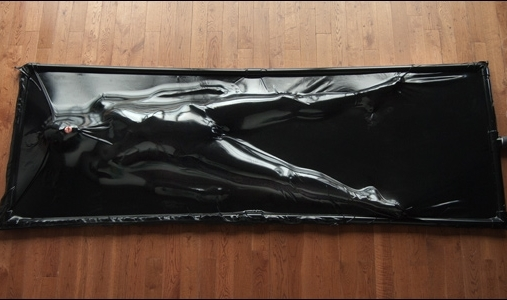 bdsm latex vacuum bed