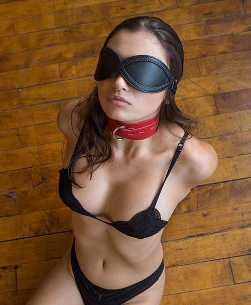 adjustable blindfold black