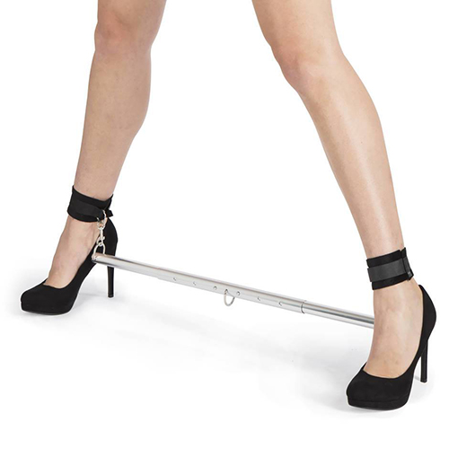 sportsheets expandable spreader bar and cuffs