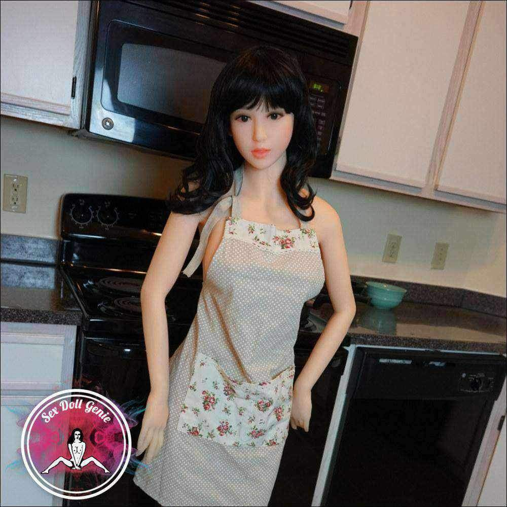 Sumie Japanese sex doll