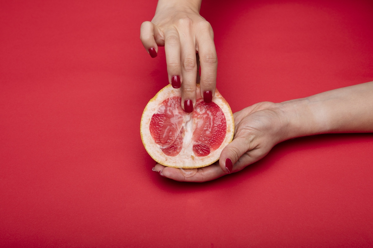 yonic pomegranade fingers